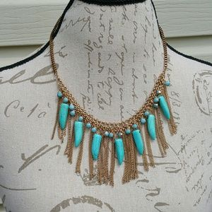 NWT beautiful faux gold & turquoise necklace